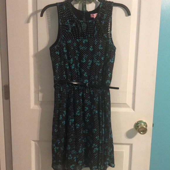 Candie's Dresses & Skirts - NWOT Candies dress. Size small.